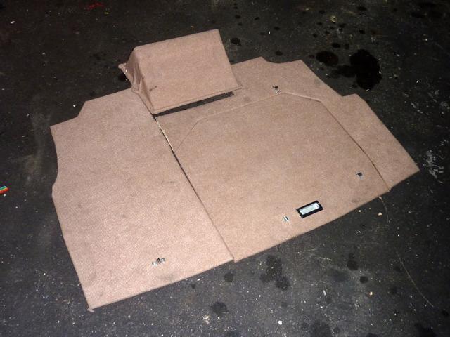 Tapizado de maletero P1050813